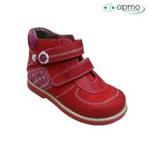 Ботинки для девочки Comformini