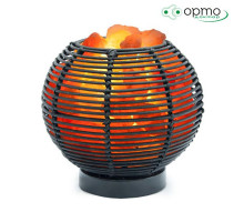 Декоративная соляная лампа-камин ВАЗА-ШАР Ротанг в комплекте